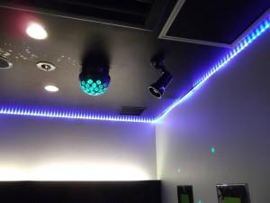 照明機器設置工事    都内カラオケ店様